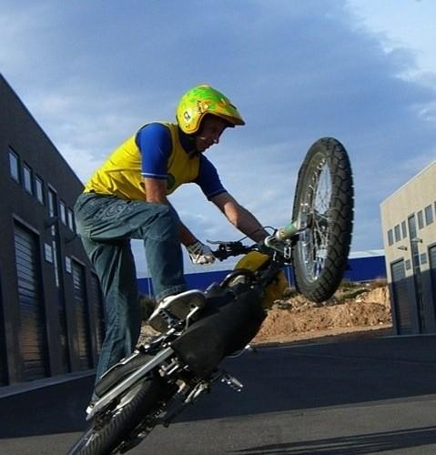 stunt riding AC Farias