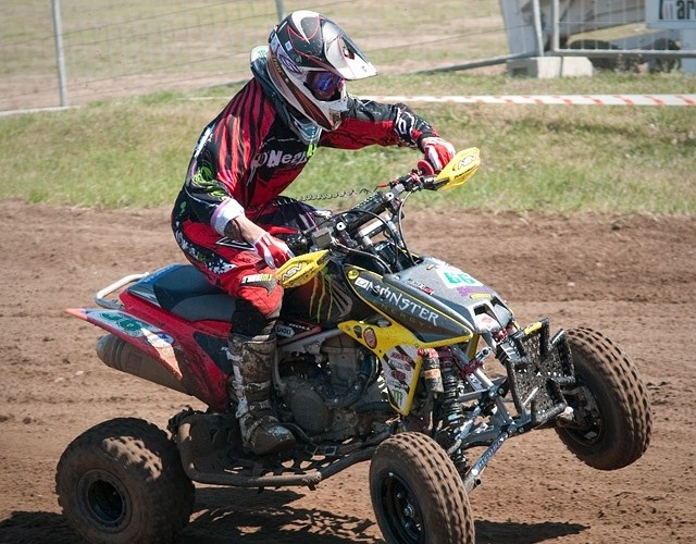 zawodnik quad motocross monster