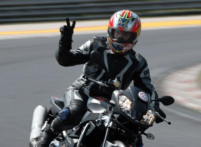 aprilia moto test