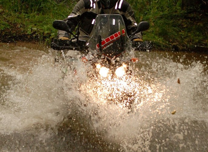 Drawsko Pomorskie motocykl w wodzie
