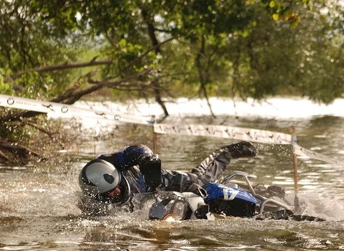 Jak zatopic motocykl w jeziorze