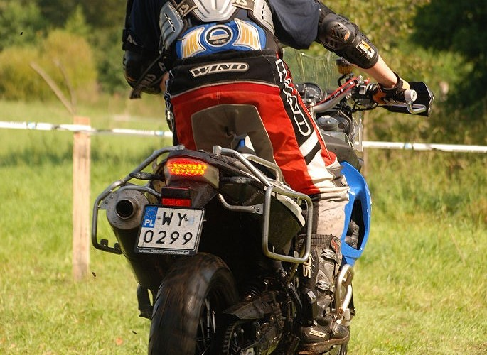 Jazda motocyklem po desce