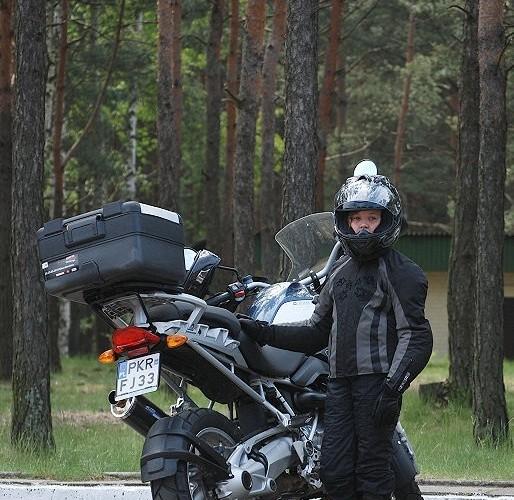 Mala motocyklistka