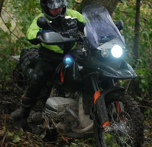 Ciezkimi motocyklami przez las