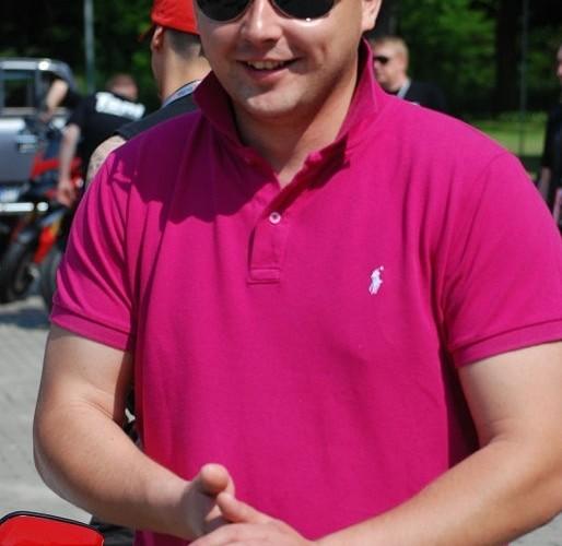 Ducatisti w rozowej koszulce