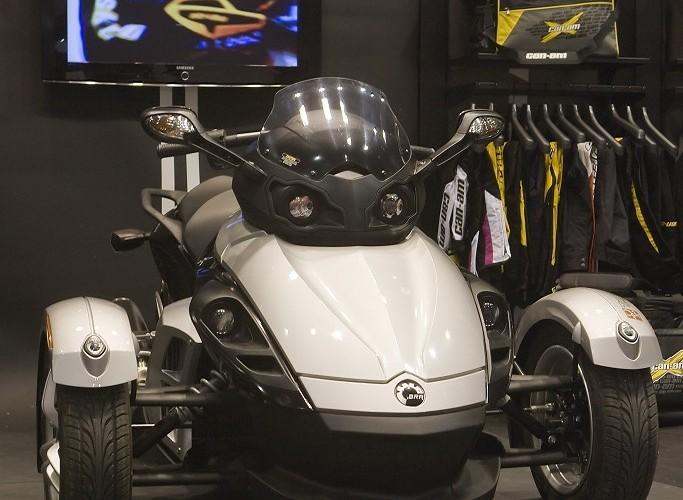 canam wystawa motocykli warszawa 2009 a mg 0224