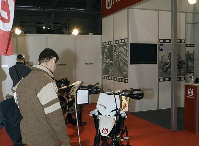 husqvarna wystawa motocykli warszawa 2009 a mg 0147