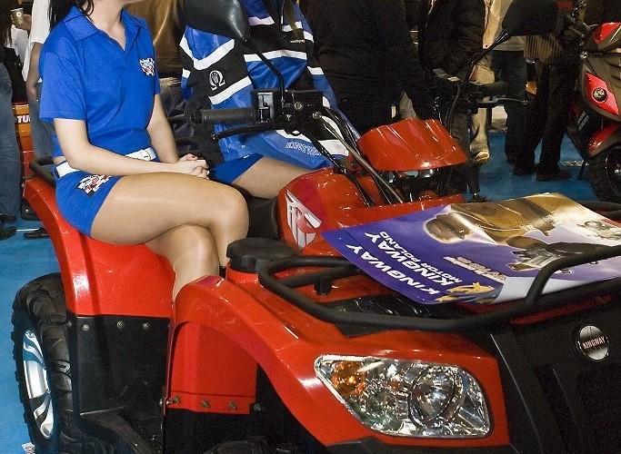 kingway hostessa na quadzie wystawa motocykli warszawa 2009 e mg 0422