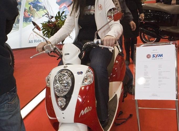 sym mio wystawa motocykli warszawa 2009 e mg 0168