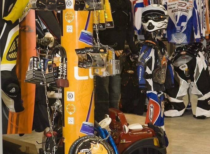 zapiecia wystawa motocykli warszawa 2009 a mg 0250
