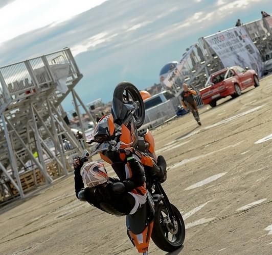 Lotnisko Bemowo Extreme moto 2009 na kole