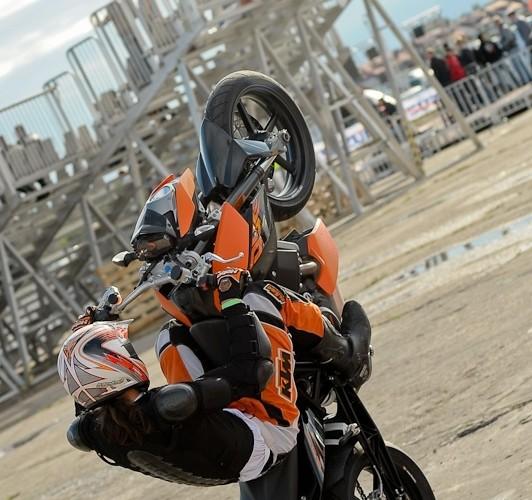 Lotnisko Bemowo Extreme moto 2009 wolna guma