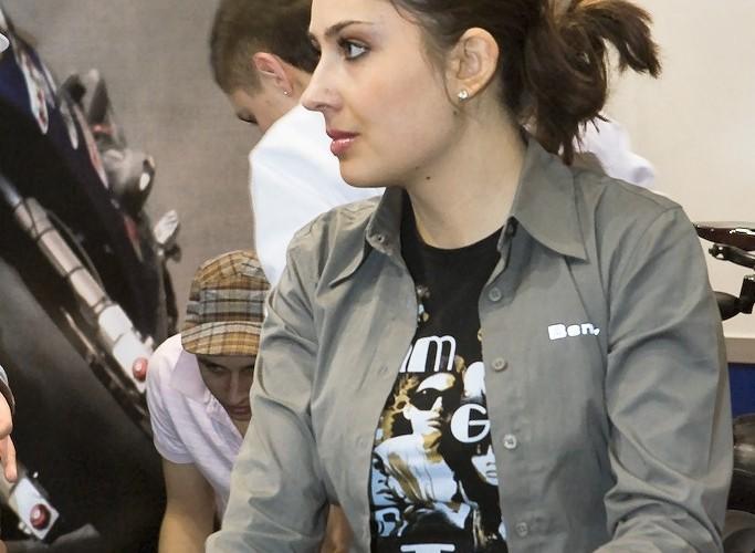 benzer dziewczyna wystawa motocykli e mg 0219