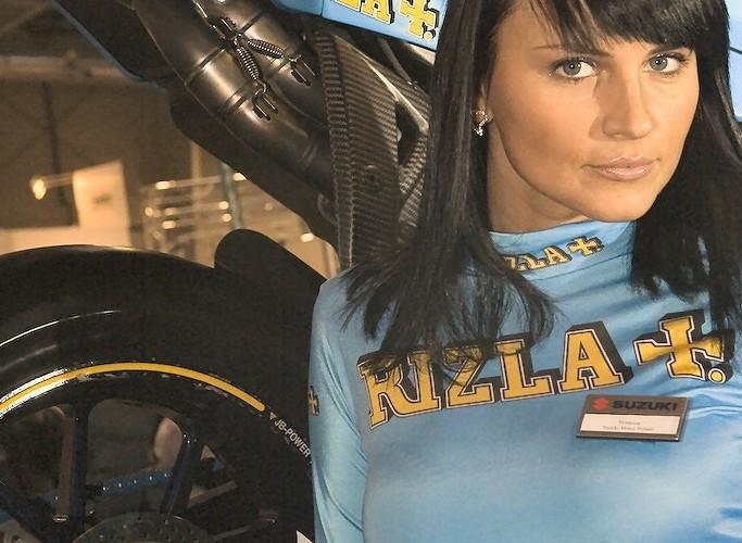 hostessa rizzla wystawa motocykli e mg 0299