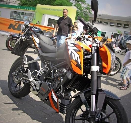 Duke 125 maly ksiaze Motocyklowa Niedziela na BP wroclaw
