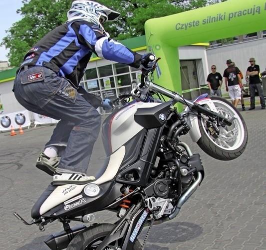 Raptowny wheelie Motocyklowa Niedziela na BP wroclaw