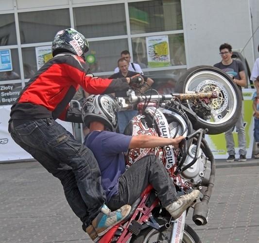 double wheelie Motocyklowa Niedziela na BP wroclaw