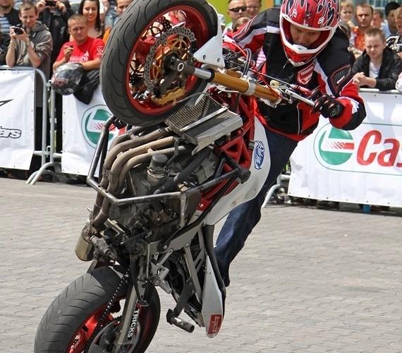 Motocyklowa Niedziela BP pokaz stuntu S13