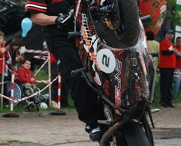 Mok stunt show