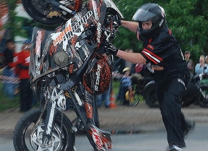 Moku wypadek w trakcie stunt pokazu