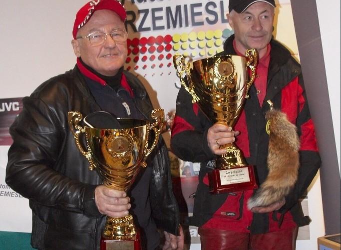 zwyciezka dwojka LXII pogon za lisem pionki 2008 b img 0134
