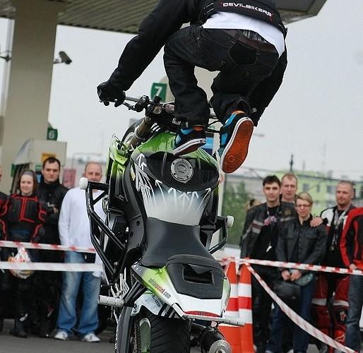Adrian skacze BP - motocyklowa niedziela 2010