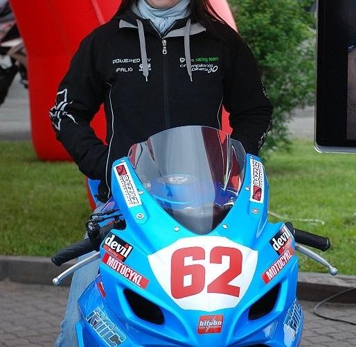 Kasia Kedzior na stacji BP BP - motocyklowa niedziela 2010