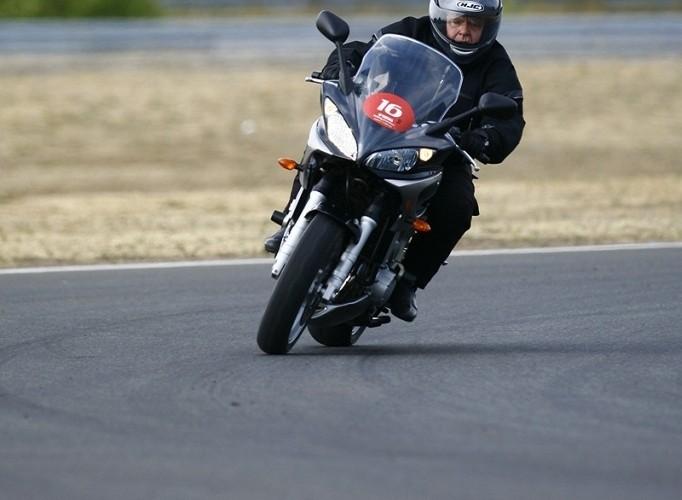 fz1 yamaha riding experience 2008 poznan b mg 0030