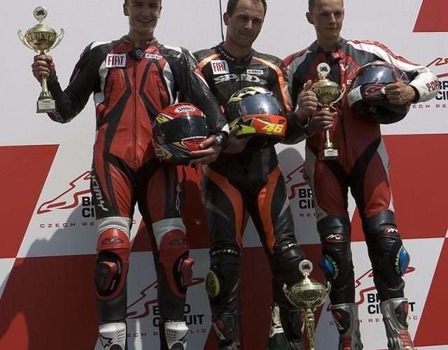 podium r6 fiat yamaha cup I runda brno 2009 e mg 0560