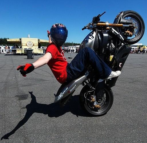 InsaneJ no hander wheelie