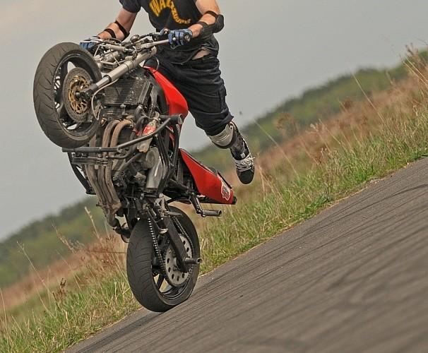 Broczyno stunt 2010 Krzychu F1