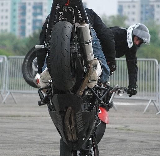 Stoppie Yamaha R6 DOP