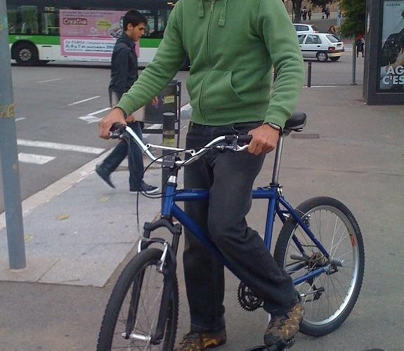 AC Farias na rowerze