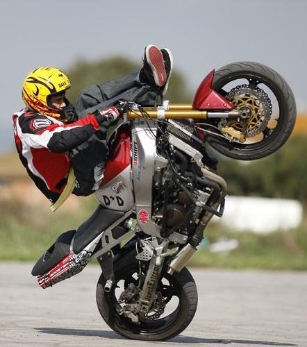 Akrobacje na motocyklu Pasierbek Rafal