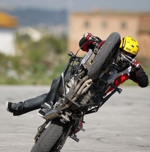 Cyrkle na motocyklu Stunter13