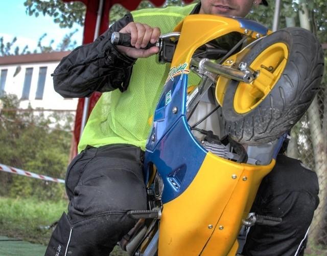 badyunior na minibike supermoto motocykle wrzesien radom 2008 f mg 8042