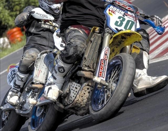 darek rosik supermoto motocykle wrzesien radom 2008 a mg 5229