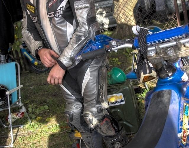 michal bozalek supermoto motocykle wrzesien radom 2008 f mg 8139