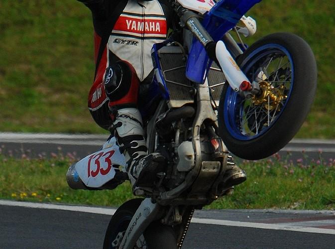 Dziawer Marcin Supermoto wheelie