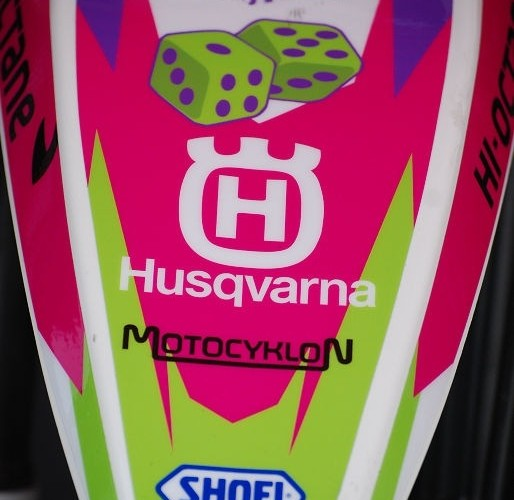 Husqvarna rozowe malowanie