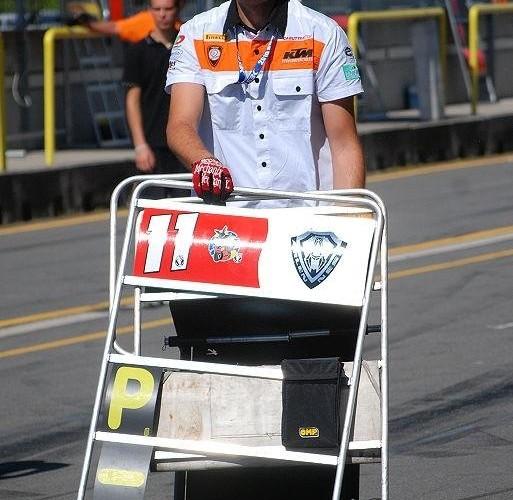 tablice KTMa na torze