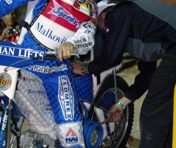 Ostatnie regulacje w motocyklu mistrza