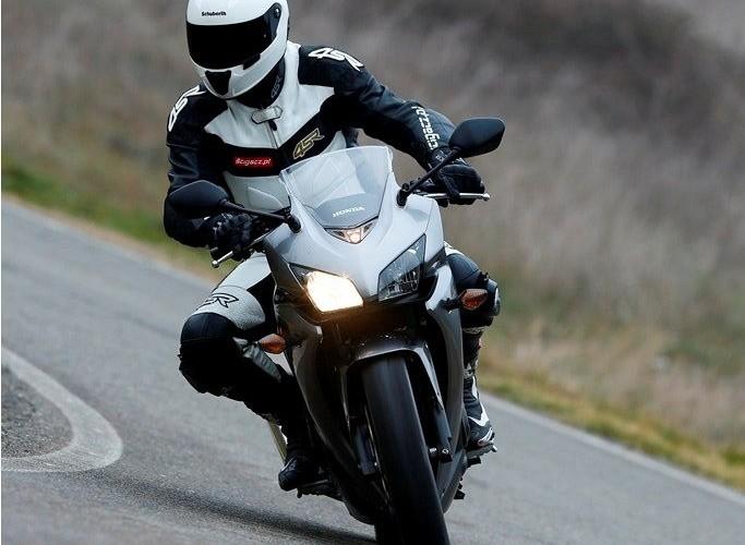 Na drodze Honda CBR500R 2013