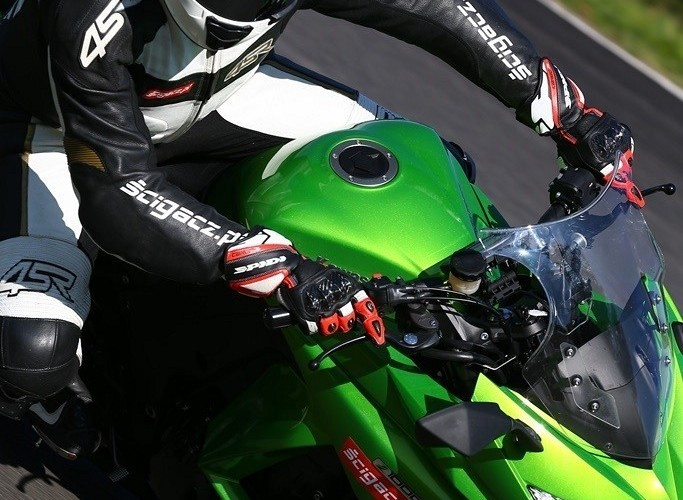 Akcja 2014 Kawasaki Z1000SX