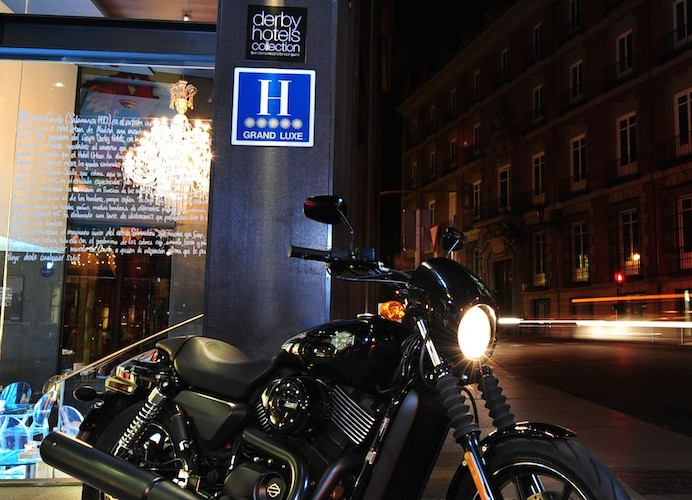 harley street statyka noca