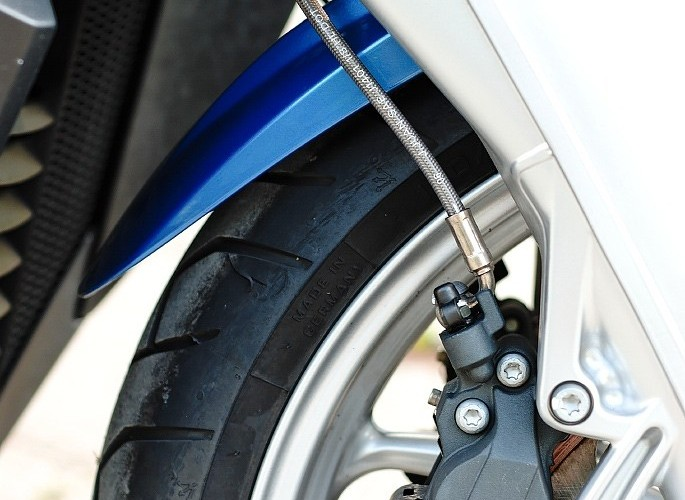 BMW K1200 zacisk