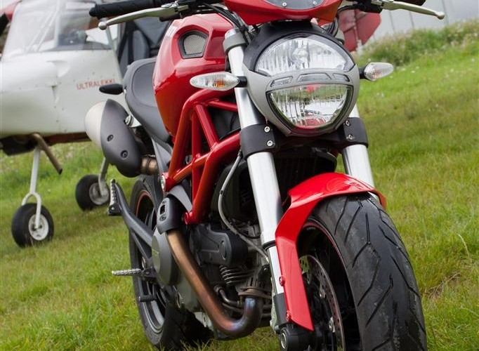 lampa przod Ducati Monster 796 2011