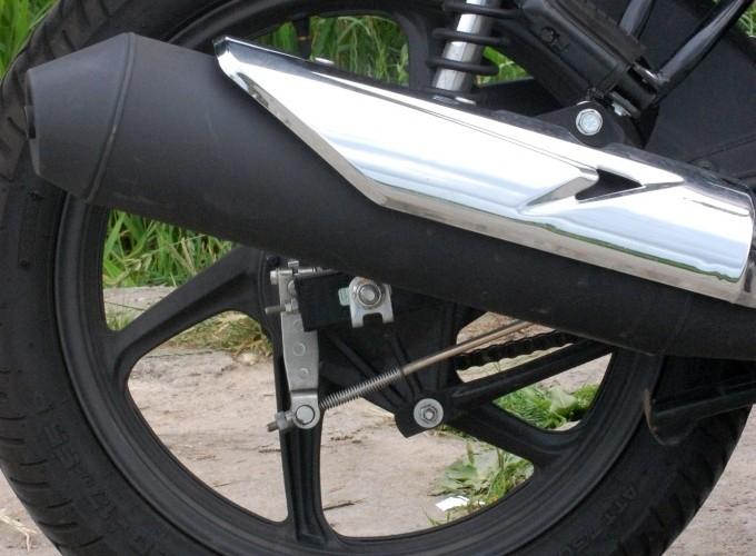 Honda CBF 125 tlumik