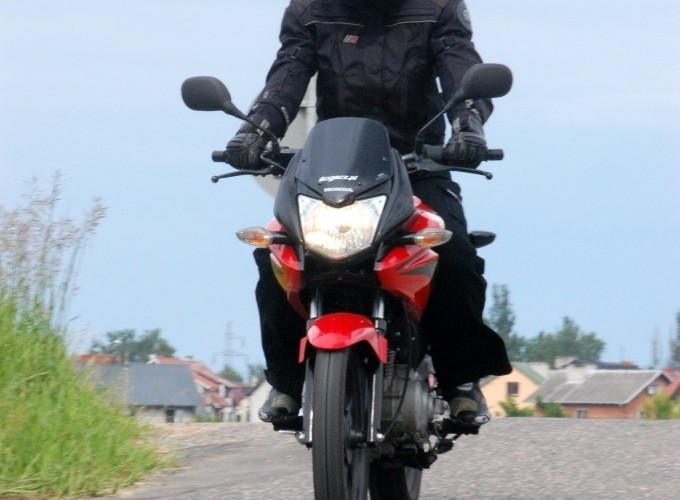 Honda CBF 125 w akcji