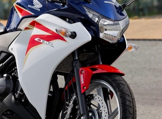 Honda CBR250R 2011 z prawej